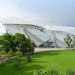 Louis Vuitton otvára novú budovu nadácie – postavil ju Frank Gehry
