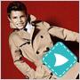 Beckhamov desaťročný syn Romeo začal kariéru modela – a to hneď u Burberry!