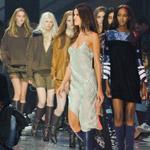 H&M so svojou kolekciou H&M Studio pokúsilo dobyť Paris Fashion Week – čo myslíte, uspelo?