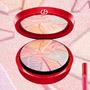 Make-up Giorgio Armani Eccentrico ponúka novú farebnú víziu pre tohtoročnú zimu v intenzívnych odtieňoch
