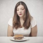 Prečo priberám na váhe, aj keď jem zdravo? Príčinou môžu byť zdravotné problémy!