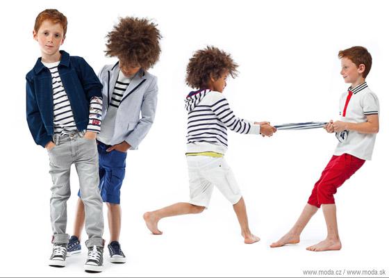 Chlapčenské oblečenie z námorníckej série detskej kolekcie Junior Gaultier