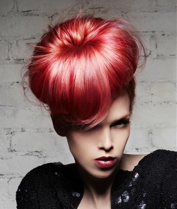 7e94e782d00b ... a s použitím červenej farby na vlasy dostáva ešte ďalší nový rozmer.  Červené vlasy sa hodia pre krátkovlásky
