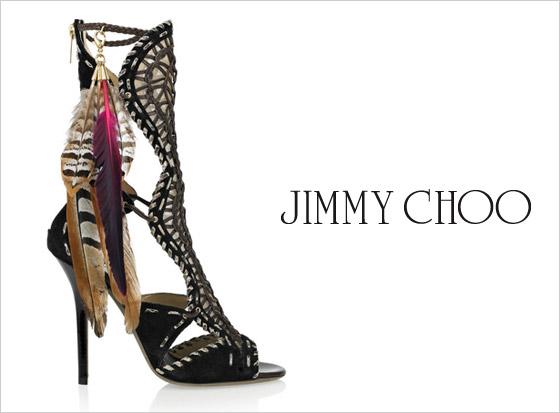 5e4710196a2a Jimmy Choo neplánoval tieto topánky ponúkať ako obuv do zlého počasia. Je  to alternatíva ku klasickým plesovým lodičkám alebo sandálkom.