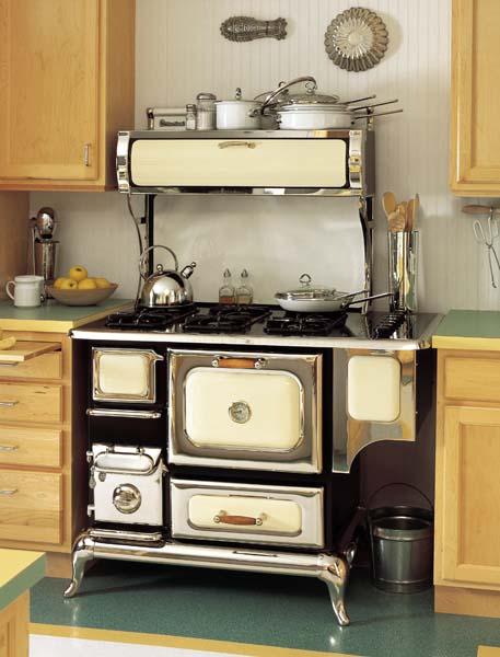 Retro kovový kuchynský sporák