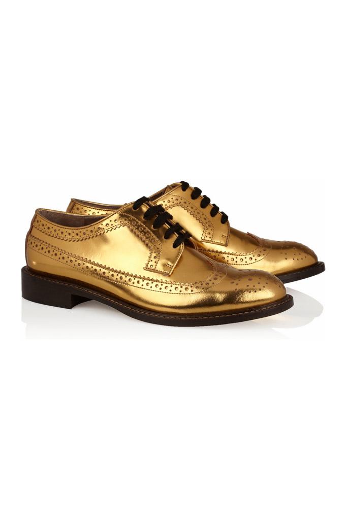 Trendom jesene sú zlaté a strieborné topánky – majú žiariť ako slnečný či  mesačný svit!  bf46e540d7
