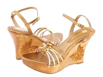 Najhorúcejší hit v obuvi na jar  Rozhodne sandále na platforme ... 5bd328f925