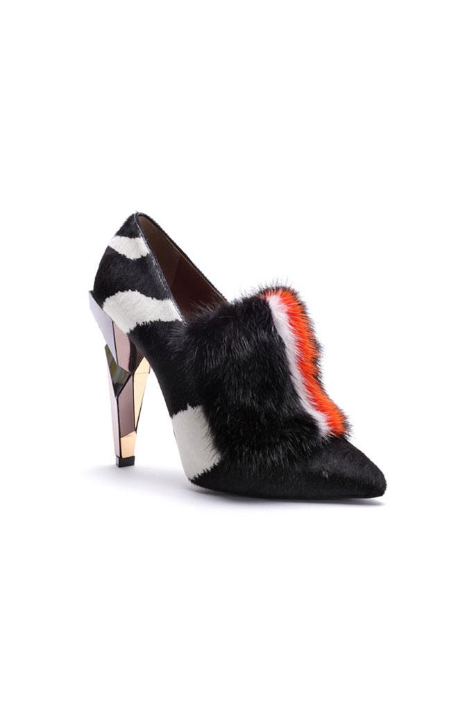 """c7adc3c0f """"Chlpaté"""" topánky v tejto sezóne musíte mať! Christian Louboutin – topánky  z kolekcie jeseň/zima 2013/14"""