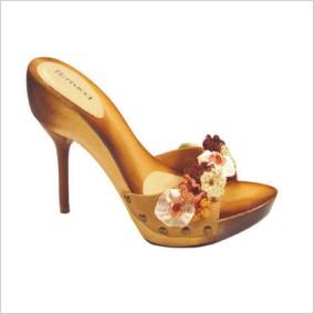 Posledné topánky so špicatou špičkou sa svojim vzhľadom radia do skupiny  tých veľmi elegantných. Pokiaľ máte také aj šaty ce5afb448a