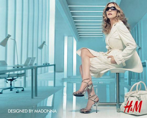 Trenčkot navrhnutý Madonnou pre HM