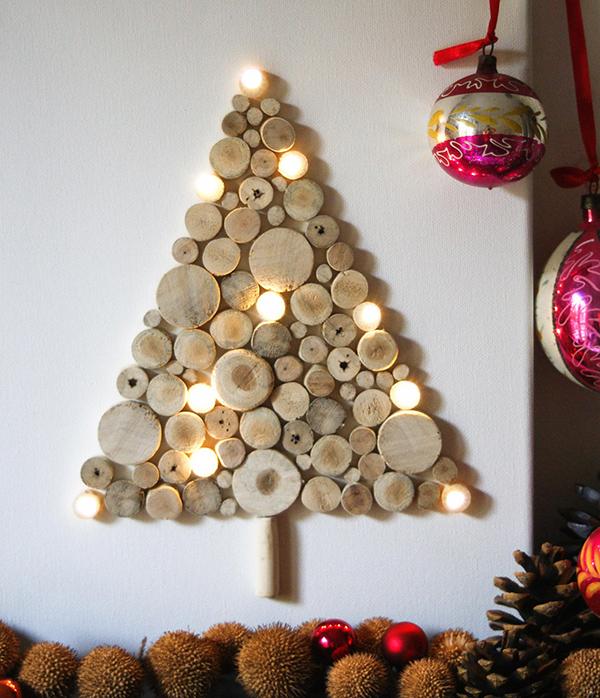 Vianočný stromček z drevených guľôčok