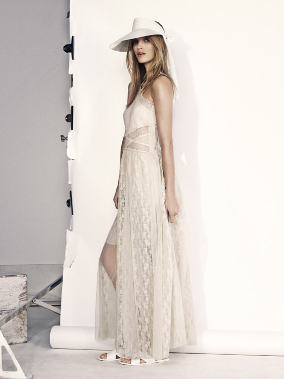b9117add7e50 Dlhé biele letné šaty HM. Dámske oblečenie H M ovládla biela a ...