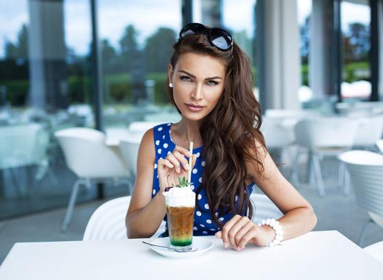 Ľadová káva je v lete najobľúbenejším kávovým nápojom môžete si vyskúšať mnoho variantov tejto dobroty