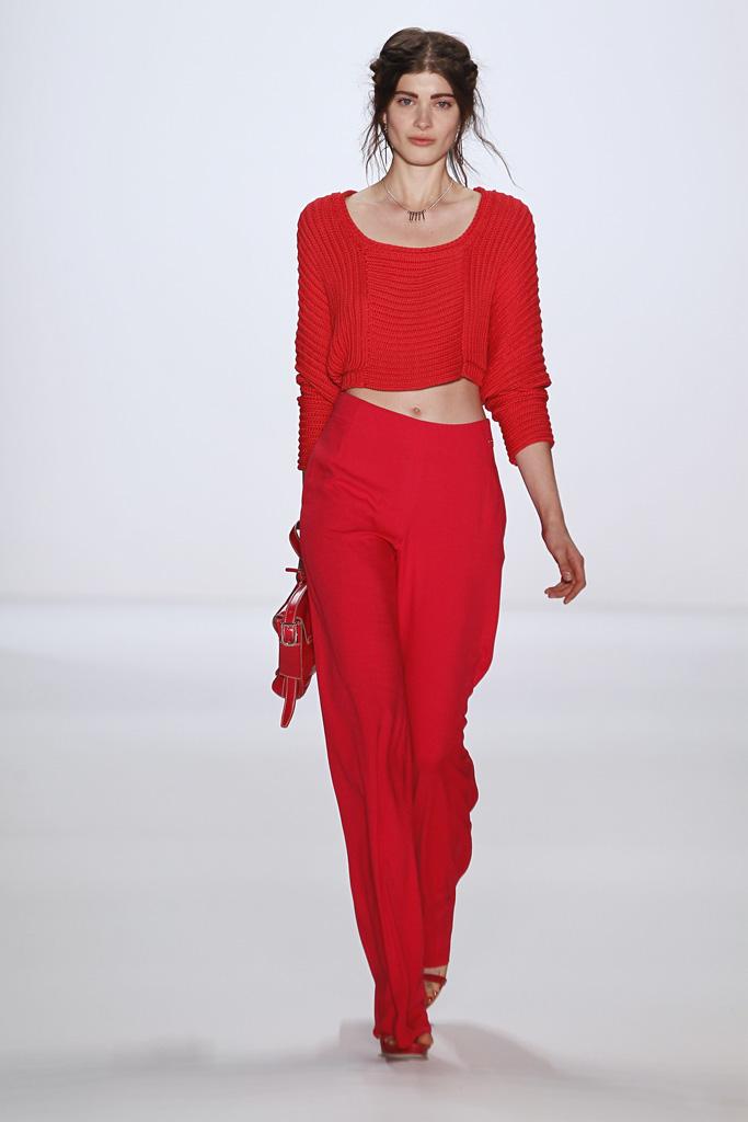 b23faea4a5a2 Červené asymetrické puzdrové šaty Oasis Lolita