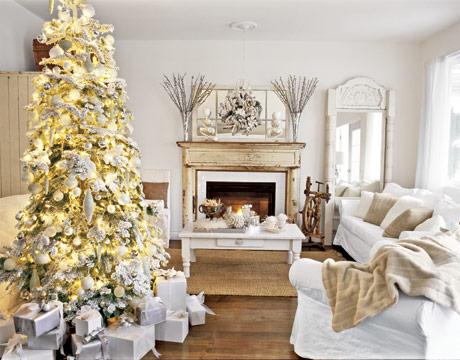 Bielo zlatý vianočný stromček