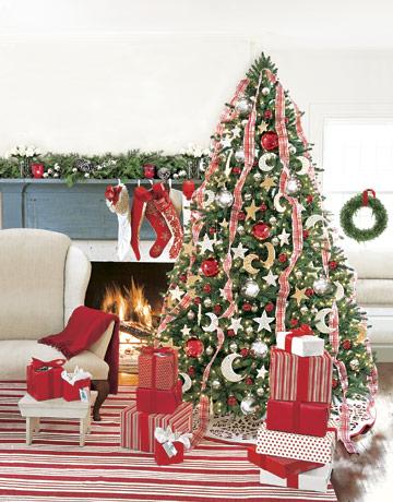 Červeno bielo zlatý vianočný stromček