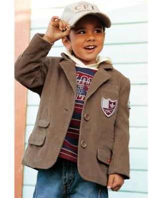 de9acb1a6964 Kolekcia OTTO obsahuje opäť kompletný sortiment odevov pre deti  tričká