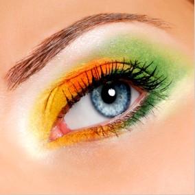 Žlto zelené ličenie očí