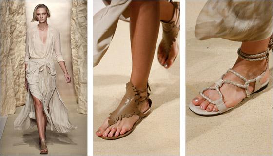 Modely obuvi bez podpätkov predstavené Donnou Karan New York majú veľmi  zaujímavý dizajn a sú charakteristické predovšetkým svojím románskym  vzhľadom. ef05893b313