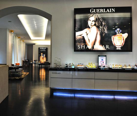 Salon Guerlain v Prahe je štýlový a čistý