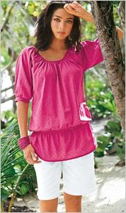 Žena v ružovej tunike