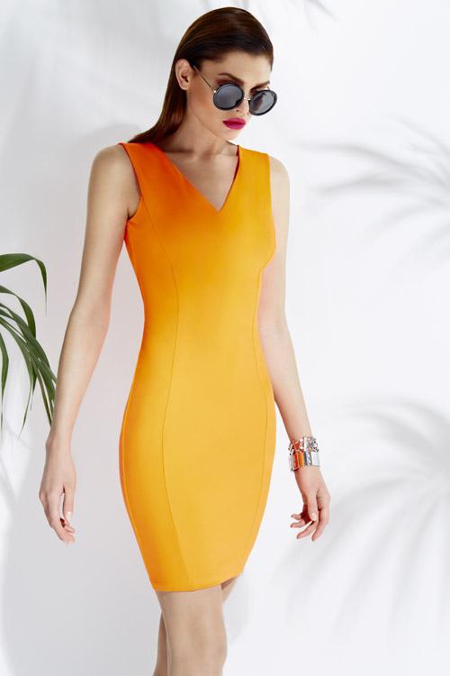 606793122 Značka MOHITO chce svojim oblečením osloviť mladé ženy vo veku 25 až 35  rokov, ktoré sa chcú obliekať podľa globálnych módnych trendov, avšak za  prijateľné ...