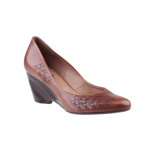 Farby a hravosť sú charakteristické pre jarné topánky CCC – poďte si vybrať  svojho favorita!  ec05d542fe