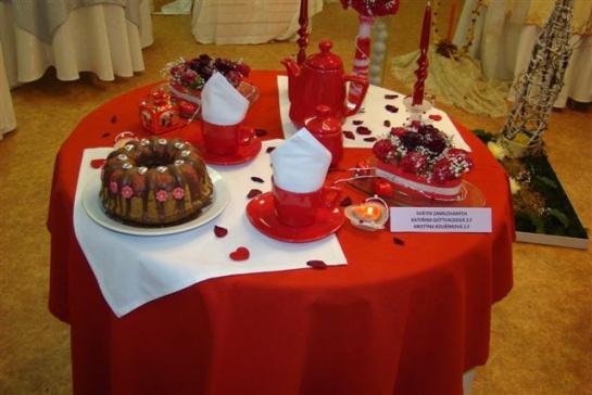 Sviatočný valentínsky stôl