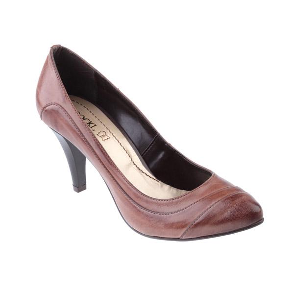 Obuv poľskej značky CCC nám ponúkne jarné topánky vo farbách Café au Lait  73dc90221a