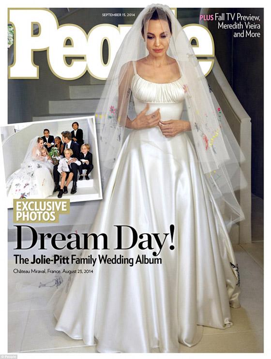 Svadobné šaty Angelina Jolie na obálke magazínu People