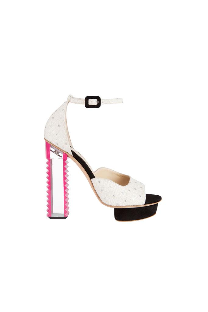 Bielo čierne sandále na platforme so zubatým podpätkom
