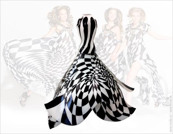 Čiernobiele šaty od Blanka Matragi