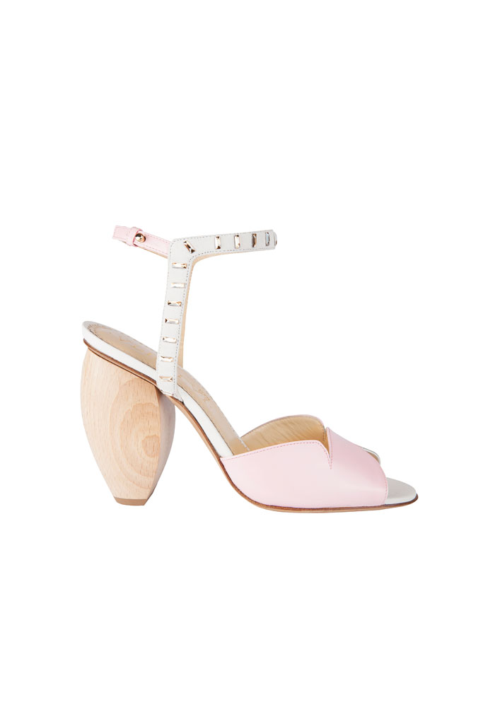 Ružové sandále s dreveným klinovým podpätkom