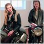 K prezentácii niekedy stačí len 2 modely – kolekciu manželov Simon Bolzoni a Katie Walsh oživili motorky!