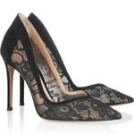 Čipkované topánky a krajkové lodičky vedia čarovať s outfitmi – luxusné robia ešte luxusnejším a obyčajné extravagantným!