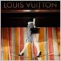 Louis Vuitton miluje cirkus: Dlhoročná tradícia sa teraz stala témou jeho sviatočných výkladov!