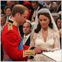 Šaty pre Kate Middleton ušila Sarah Burton, návrhárka značky Alexander McQueen