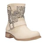 Štrasové topánky CCC oslovia aj zaryté milovníčky romantiky!