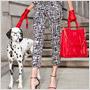 Carolina Herrera: Keď je múzou pudel, vzniknú dokonalé kabelky!
