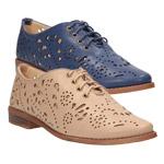 Dámske topánky oxfordky z CCC zdobí romantická perforácia