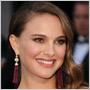 Natalie Portman na Oskaroch nestačili jedny náušnice – vzala si hneď dvoje!