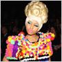 Kráľovná dámskeho rapu Nicki Minaj vyčíňa v New Yorku a predvádza jednu módnu kreáciu za druhou!