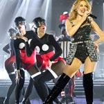 Kylie Minogue v Bratislave predviedla koncert módy piatich top návrhárov!