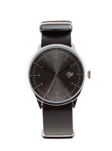 Unisex hodinky v striebornej farbe s čiernym koženým remienkom CHPO Harold Groove Metal