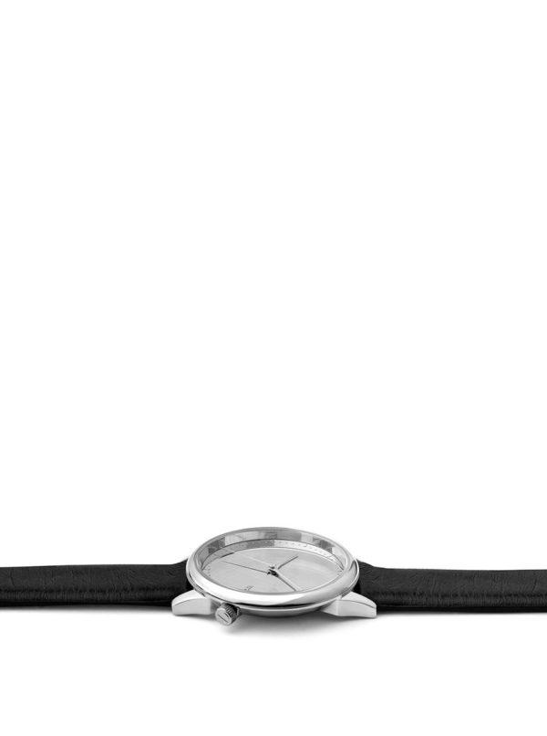 Dámske hodinky v striebornej farbe s čiernym koženým remienkom Komono Estelle Mirror