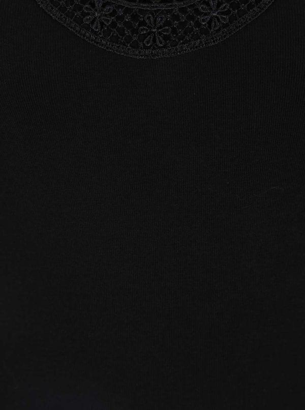 Čierne tielko s čipkou v dekolte VERO MODA New Ratli