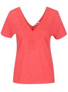 Červené tričko s vyšívaným lemom Roxy Little