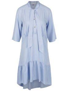 Svetlomodré voľné šaty s viazankou Closet