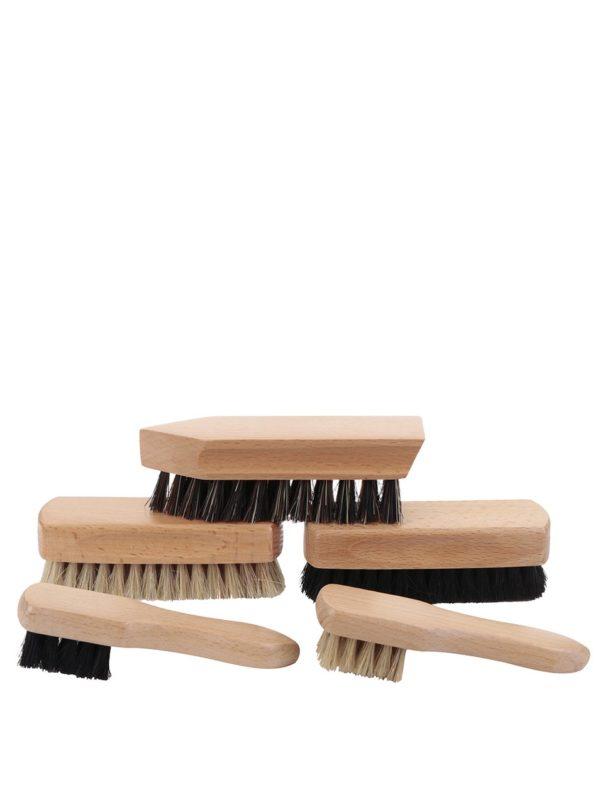 Súprava 5 drevených kief na topánky Kikkerland