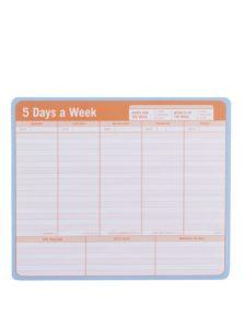 Bielo-oranžový päťdenný plánovací blok ako podložka pod myš Knock Knock